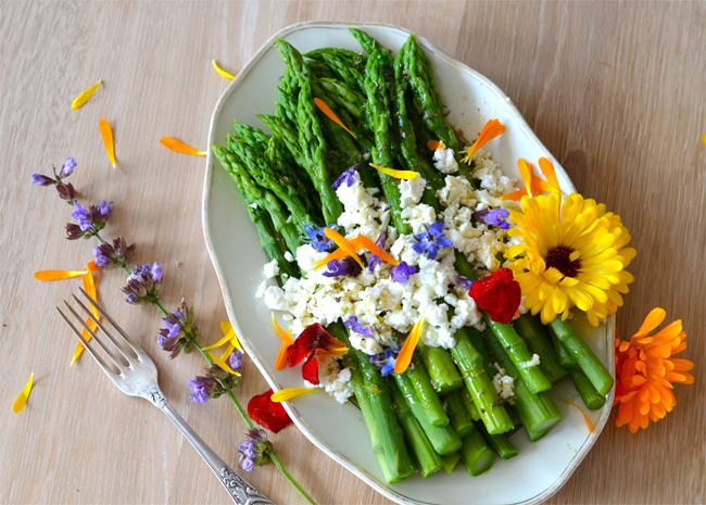 ¿Cómo preparar flores comestibles?